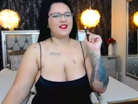 I m  hot nd sensual model always in the mood to have fun with you on cam